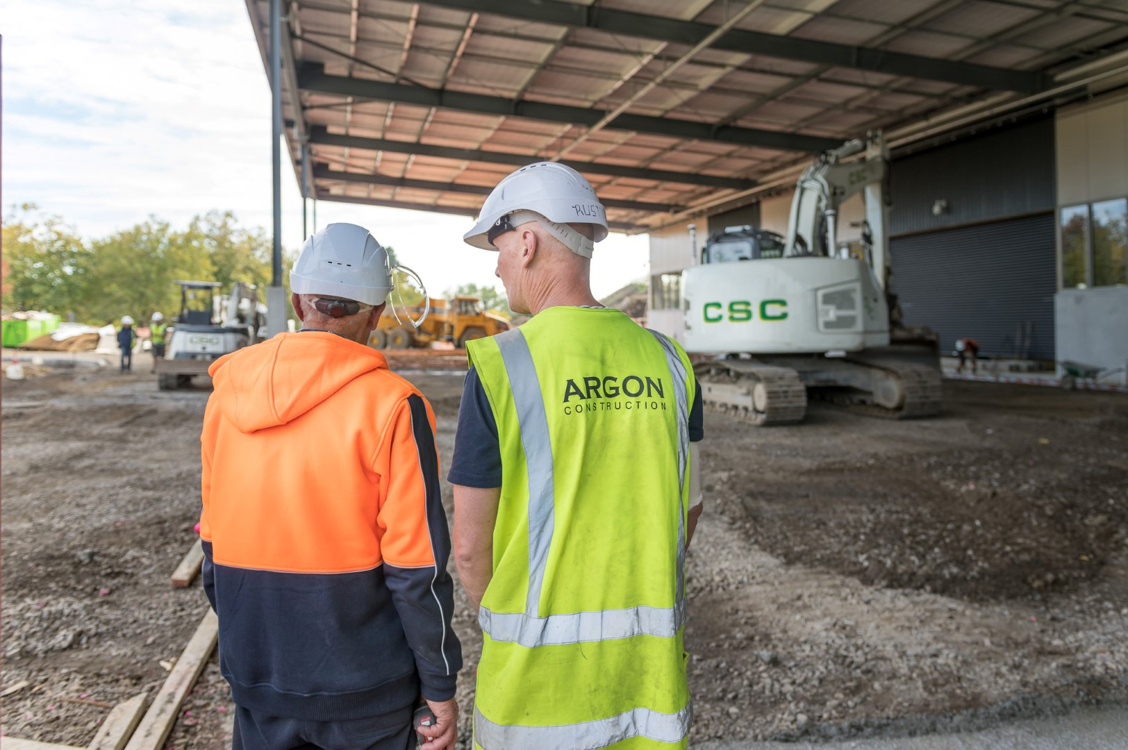 Argon construction worker talking
